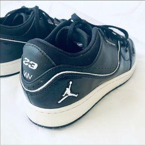 Nike Jordans 1 Flight 2 low Youth 7